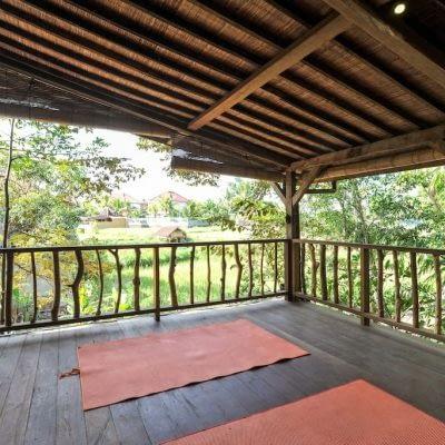 villainspiritubud-priya-yoga-11-400x400